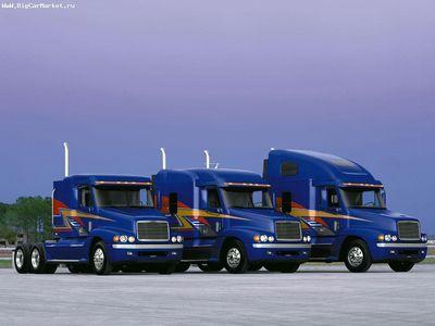 2012-10-09-freigthliner_truck_4.jpg