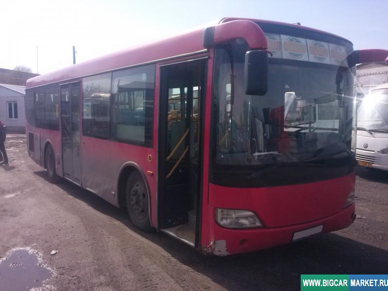 автобус Golden Dragon XML6102UE23